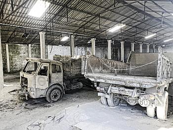 Camiones almacén Abandonado